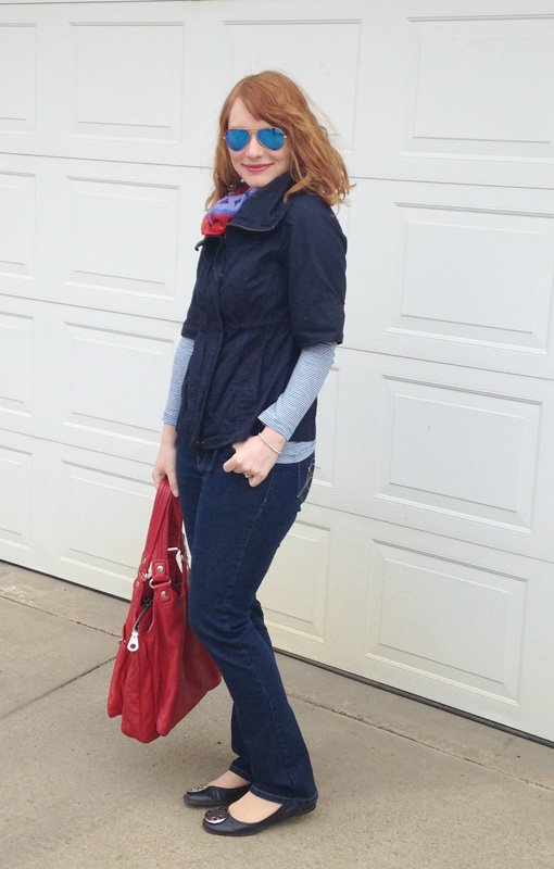 navy and red outfit, Marc Jacobs Totally Turnlock Teri