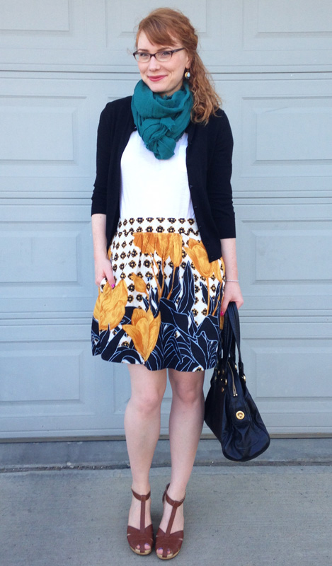Edme Esylltw Tulip Perspective skirt; Old Navy clogs; Marc Jacobs Totally Turnlock Aidan