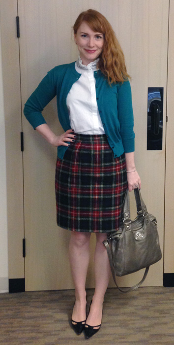 Plaid pencil skirt; Marc Jacobs Magazine bag; Marc Jacobs Mag bag