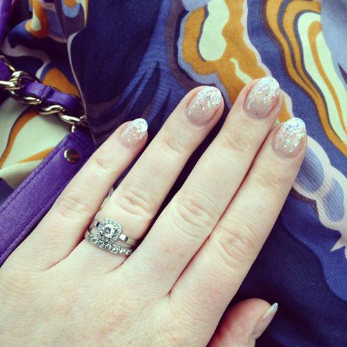 sparkly gel manicure