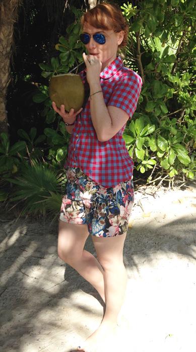 beach vacation style; resort style; resort capsule