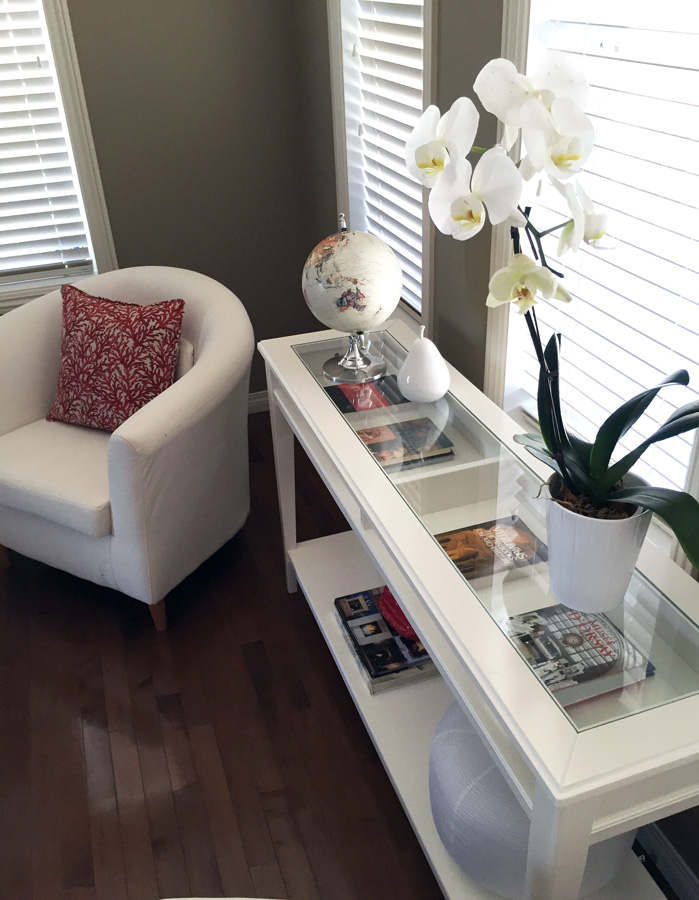 modern minimalist living room