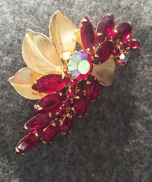 vintage brooch via eBay