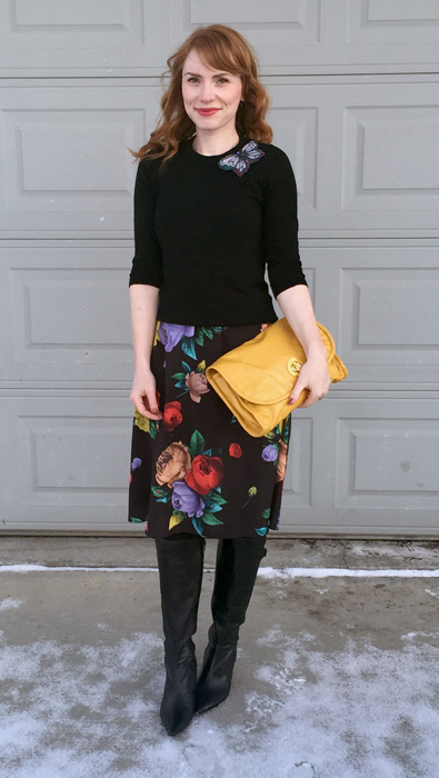 yellow bag = happy outfit?