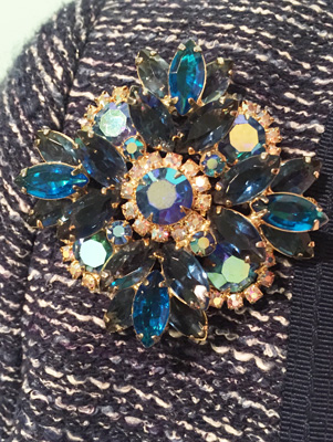 vintage brooch (via eBay)