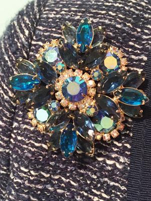 vintage brooch (via eBay)